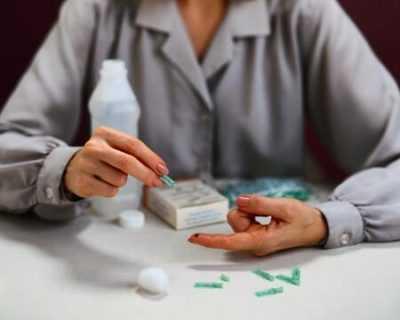 Кетоацидоз при сахарном диабете 1 и 2 типа: причины, симптомы, диагностика и лечение