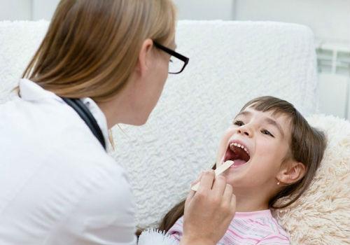 проверка здоровья у ребенка