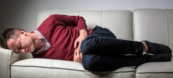 Чем помочь при приступе панкреатита: первая неотложная помощь при болях в поджелудочной