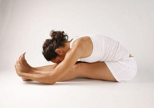 асан для растягивания спины