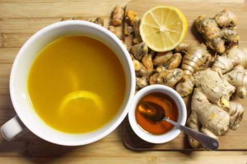 Ароматный чай из порошка куркумы не только очень полезен, но и весьма вкусен.