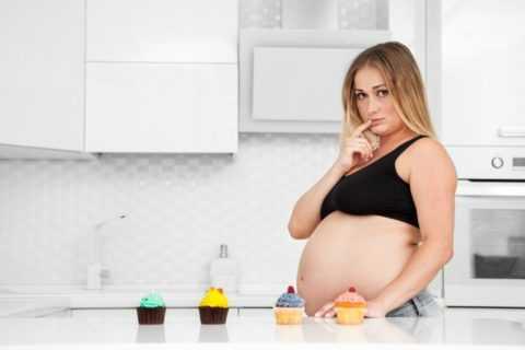 Беременные, имеющие лишний вес, более подвержены риску развития ГСД.