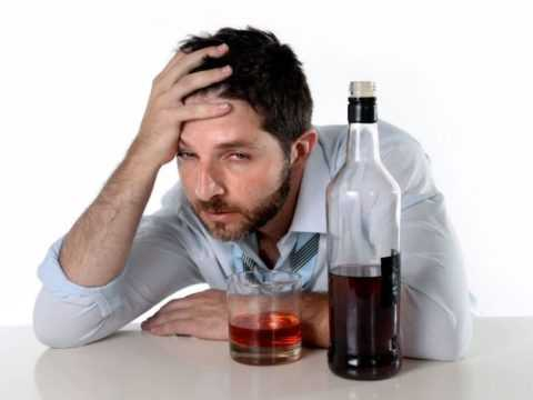 Чрезмерное употребление алкоголя является предпосылкой для снижения уровня сахара.