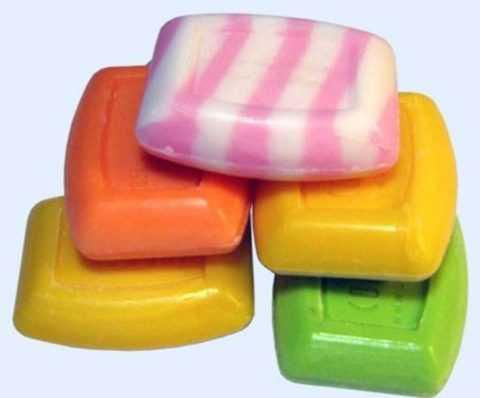 Для умывания воспаленной кожи категорически не рекомендуется использовать мыло.