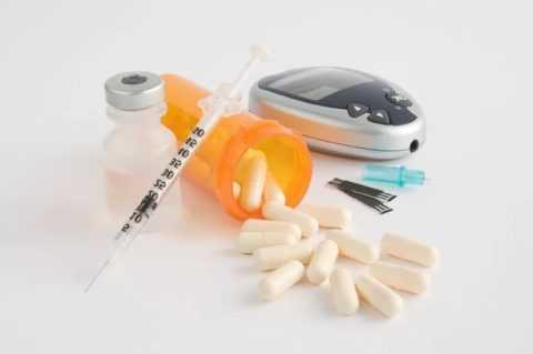 Доза инсулина подбирается индивидуально эндокринологом, с учетом возраста и веса пациента, и степени тяжести болезни