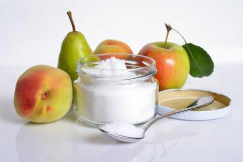 Фруктовый сахар содержится во всех фруктах, ягодах и многих овощах.