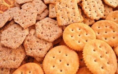 Галетное печенье прекрасно подойдет к чаю во время перекуса