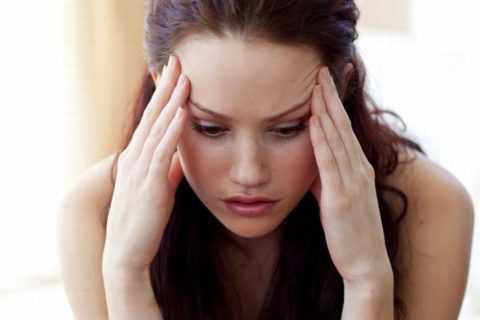 Главный признак избытка инсулина – головная боль и заторможенность.