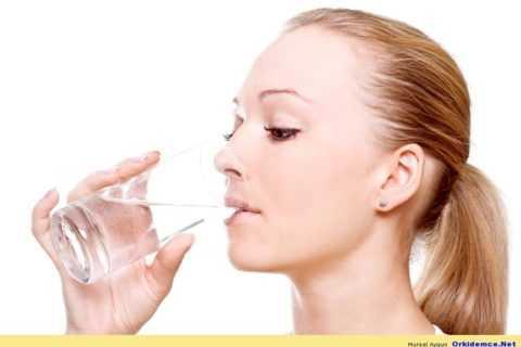Какая жидкость поможет устранить жажду.