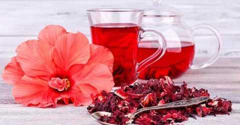 Каркаде – не только вкусный, но также полезный напиток, обогащенный витаминами.