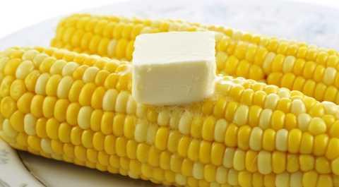 Кукуруза и сливочное масло – вкусная, но вредная комбинация