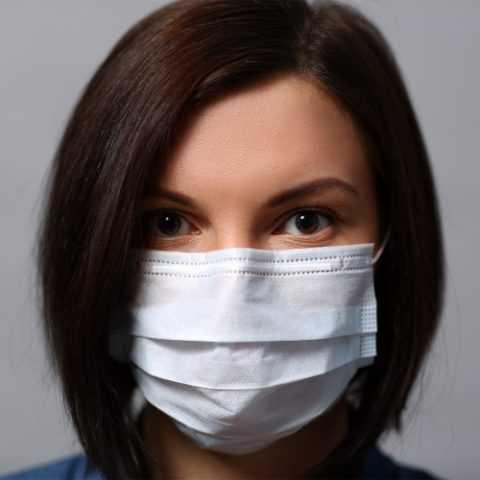 Маска защитит от проникновения вирусов