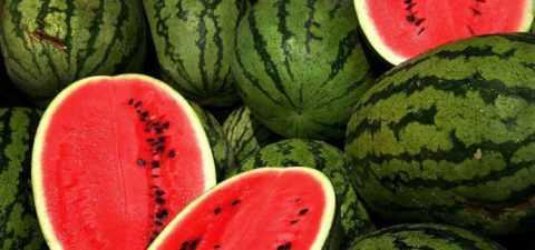 Мякоть южной ягоды богата полезными микроэлементами и важными витаминами.