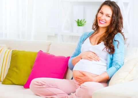 Не следует проводить лечение в период беременности и последующей лактации.