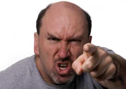 Необоснованная агрессия может быть последствием дисфункции ЦНС при гипогликемическом состоянии.