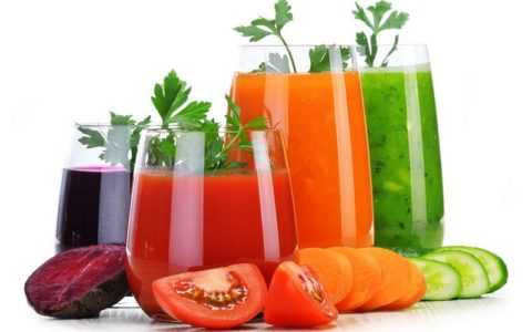 Несмотря на всю пользу овощных соков, употреблять их следует с осторожностью.