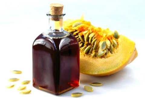 Особенно полезным для организма является натуральное тыквенное масло.