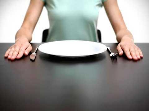 Отказ от пищи может спровоцировать гипогликемический приступ.