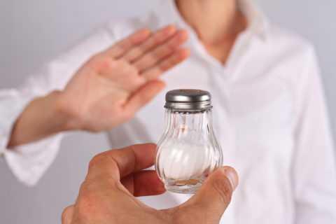 Отказ от потребления соли.