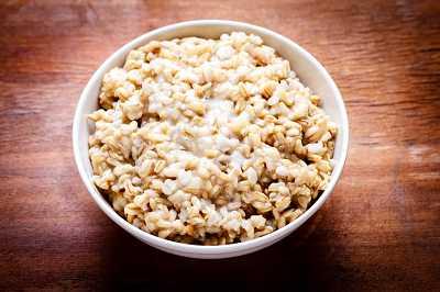 Овсяная каша (цельное зерно или отруби)