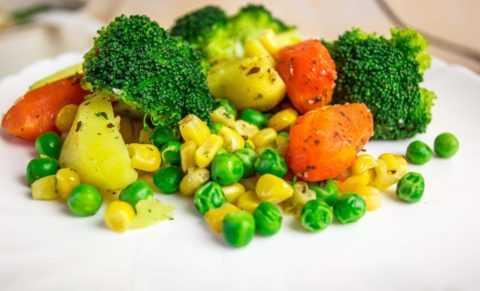 Паровые овощи сохраняют больше витаминов, чем отварные.