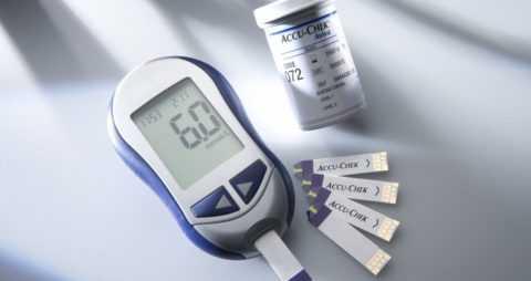 Показатели сахара в крови нужно постоянно контролировать.