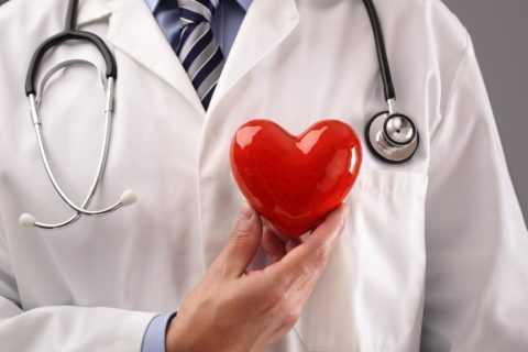 Полноценное лечение обеспечивает кардиолог.
