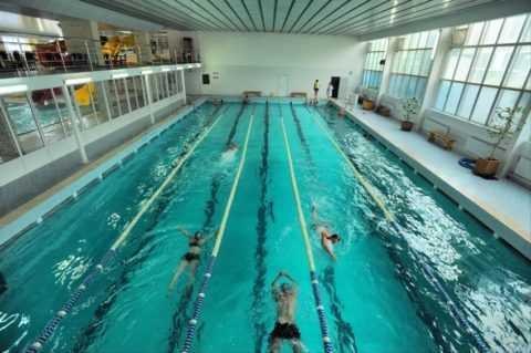Польза плаванья в бассейне.