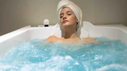 Помимо иных свойств, ванна поможет повысить жизненный тонус и расслабиться.