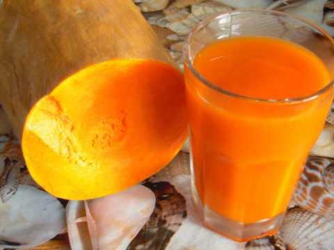 При диабете одинаково полезны мякоть тыквы, а также сок и семена овощной культуры.