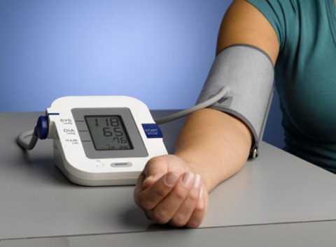 При СД необходимо контролировать показатели артериального давления.