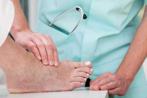 Примером диабетической макроангиопатии является поражение ног
