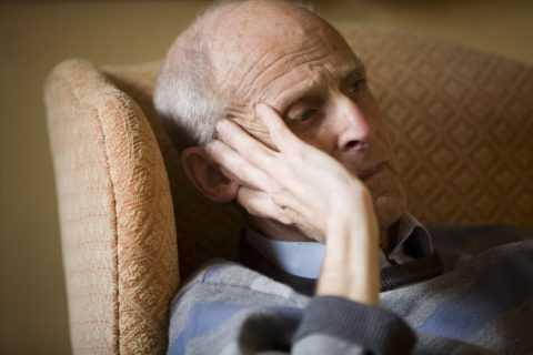 Признаком поражения сосудов мозга является головная боль