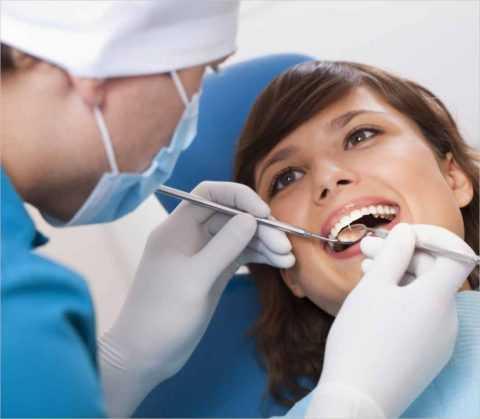 Регулярные обследования у стоматолога.