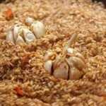 Рис Девзира с чесноком и соевым соусом
