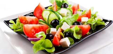 Салаты при сахарном диабете можно употреблять на завтрак, обед, ужин или в качестве легкого перекуса.
