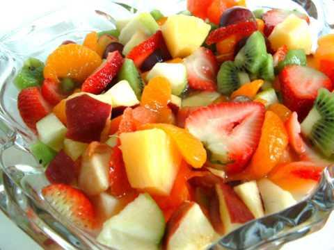 Самое простое, полезное и вкусное блюдо для диабетиков – низкокалорийный салатик.