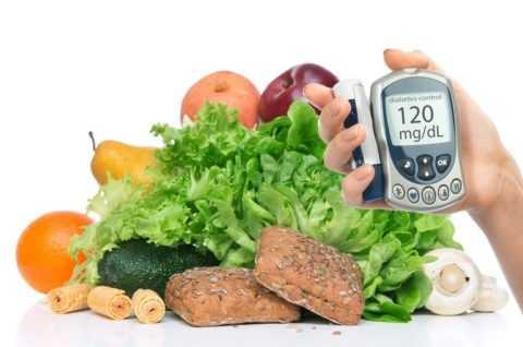 Сдоба, сладости и большое количество фруктов могут спровоцировать резкий скачок сахара