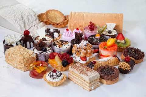 Сладости на фруктовом сахаре помогут разнообразить меню диабетика.