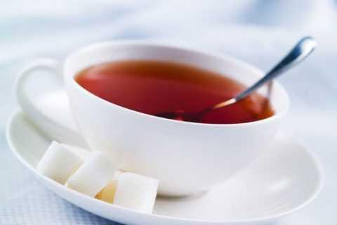 Теплый сладкий чай тоже подойдет