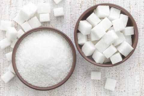 В кармане каждого диабетика должно находится несколько кусочков сахара или сладкий напиток.