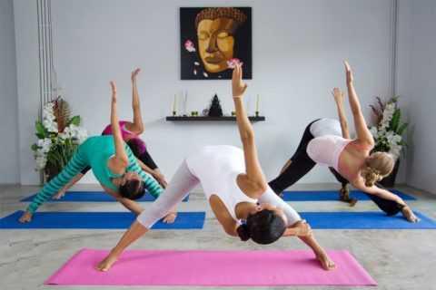 Йога поможет восстановить стройность.