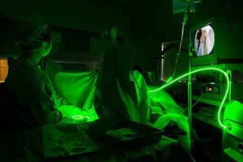 Зеленый лазер при лечении везикулита, простатита и аденомы простаты