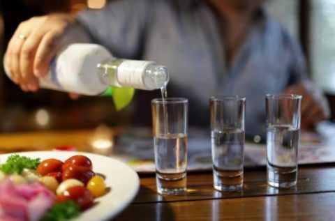 Злоупотребление алкоголем приводит к развитию панкреатогенного сахарного диабета.