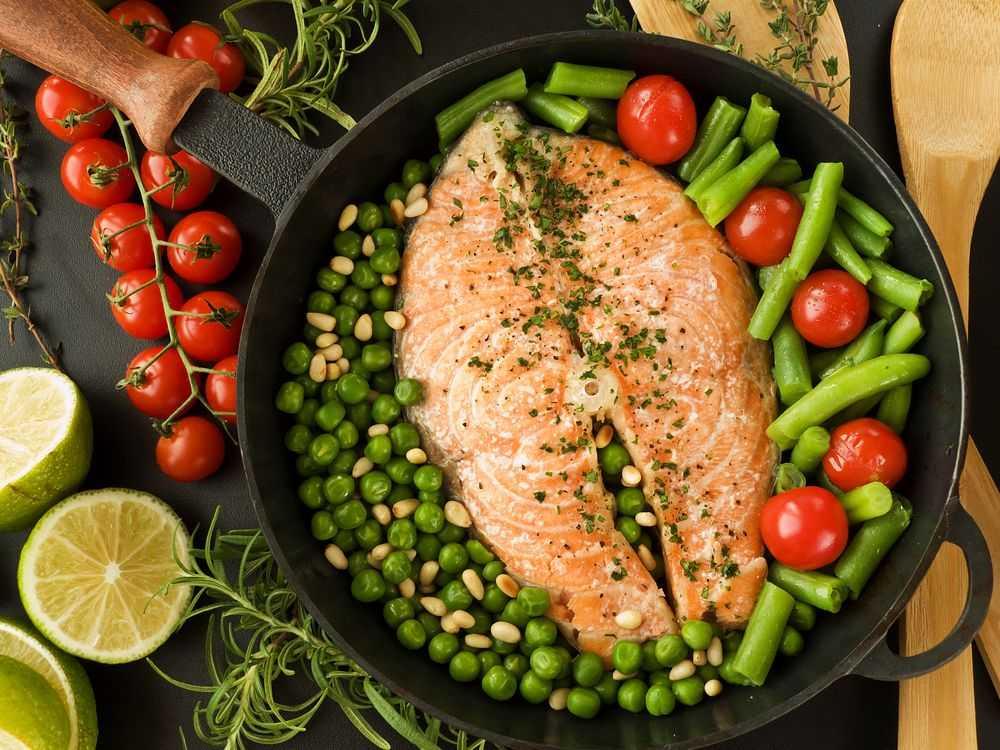 Рыба с зеленой фасолью в духовке