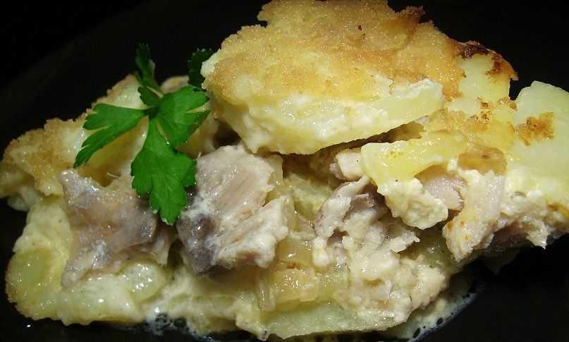 Рыба с запеченным картофелем