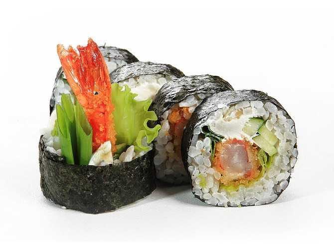 ролл с морепродуктами