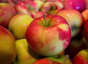 Сколько сахара в яблоках